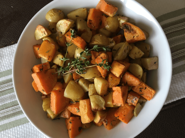 Start planning your holiday menu with this list of plan-based Thanksgiving recipes. From main dishes to sweet treats, enjoy my favorite dishes. #plantbased #healthyfood #healthyeating #vegan