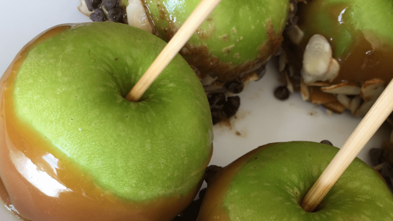 Dairy-Free-Caramel-Apples-Hero-min-1280x720.png